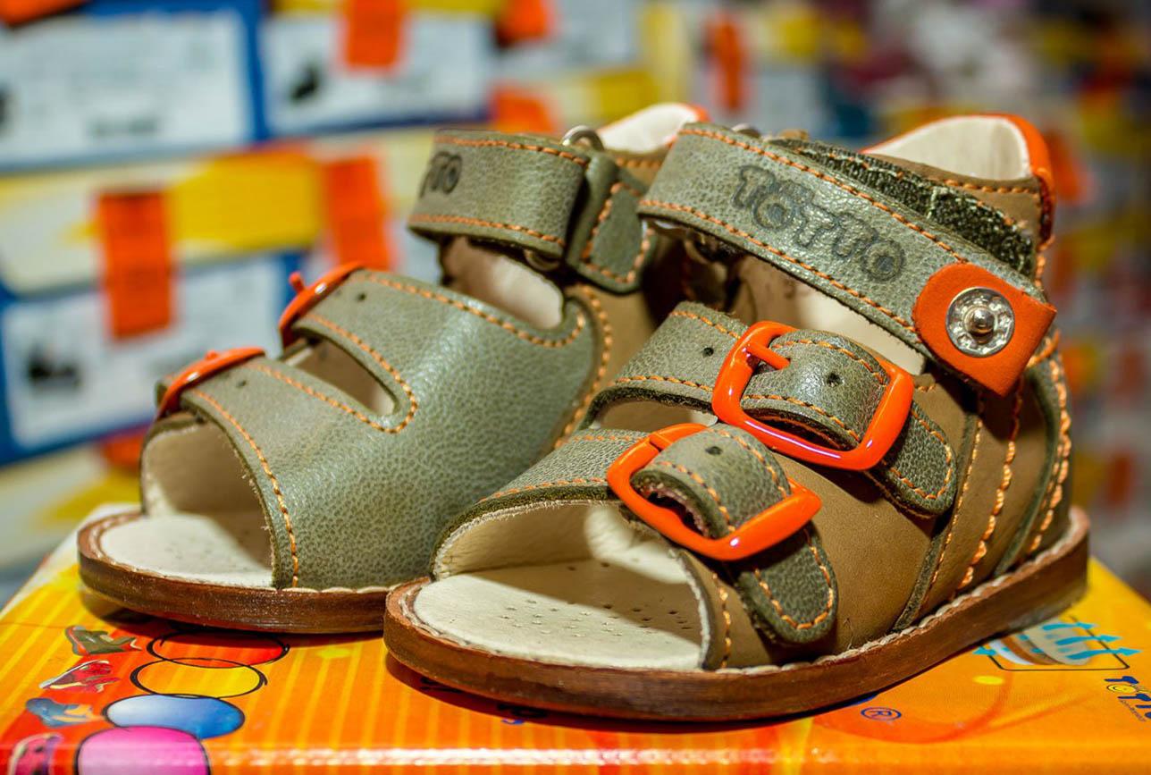 387834e01 Завершает наш рейтинг качественных производителей детской ортопедической  обуви фирма «Тотто». Эта российская компания существует на рынке уже почти  20 лет, ...