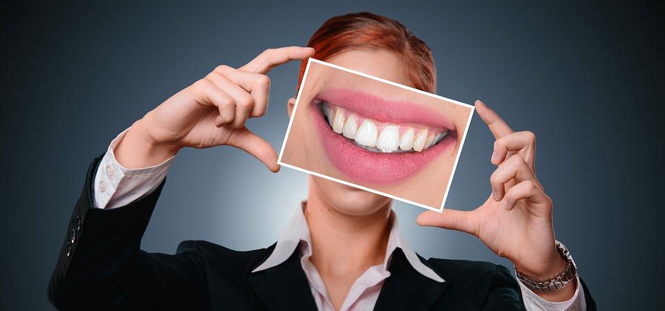 Топ паст для отбеливания зубов