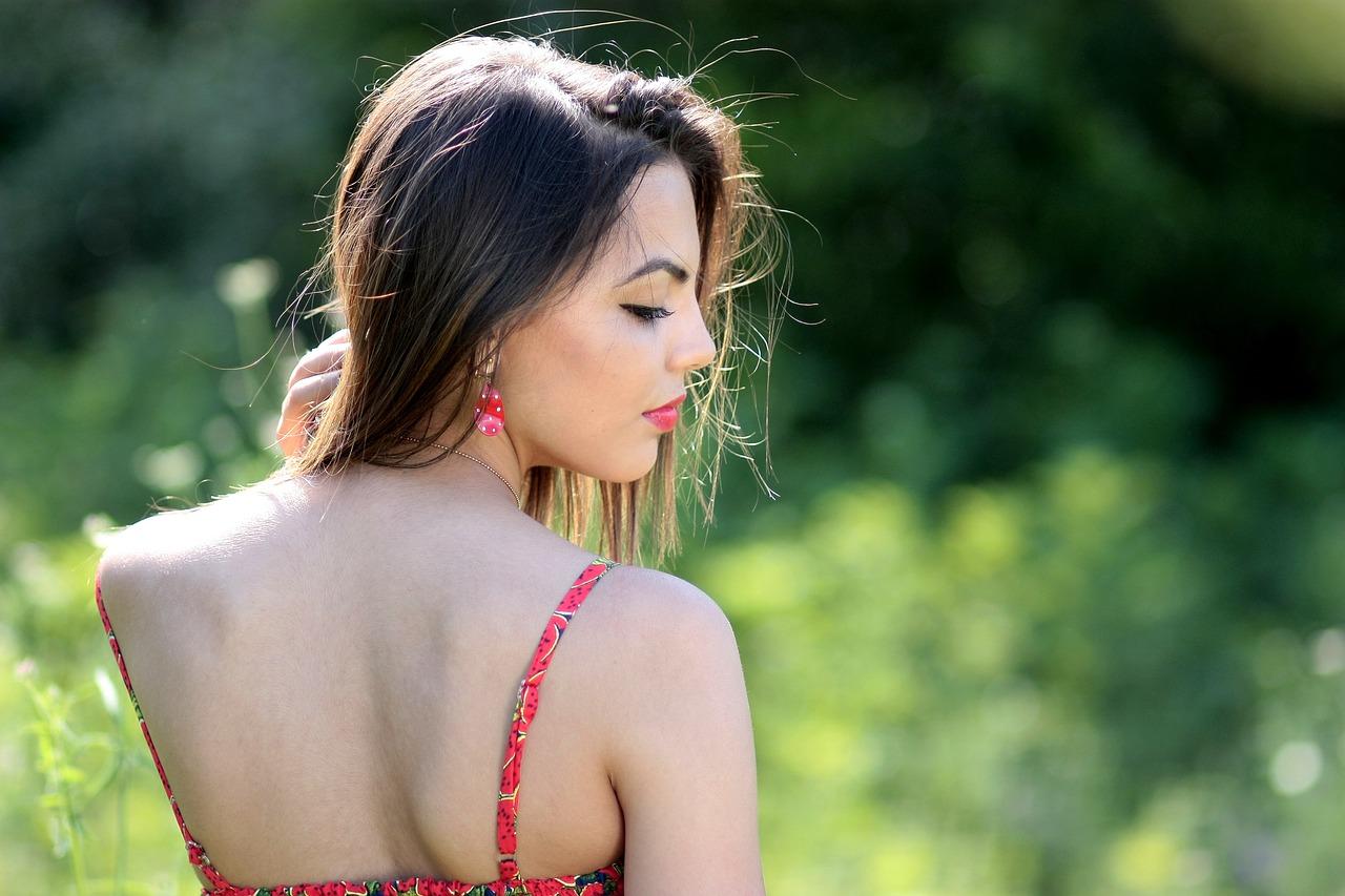 Прыщи на спине у мужчин — как избавиться?