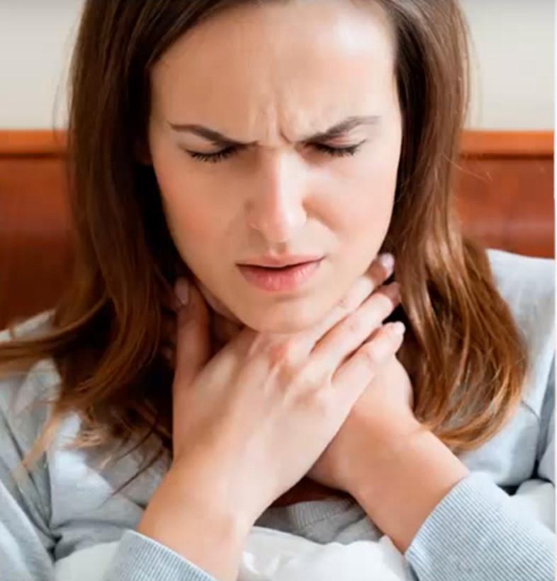 Чем быстро вылечить горло: медицинские препараты и народные средства