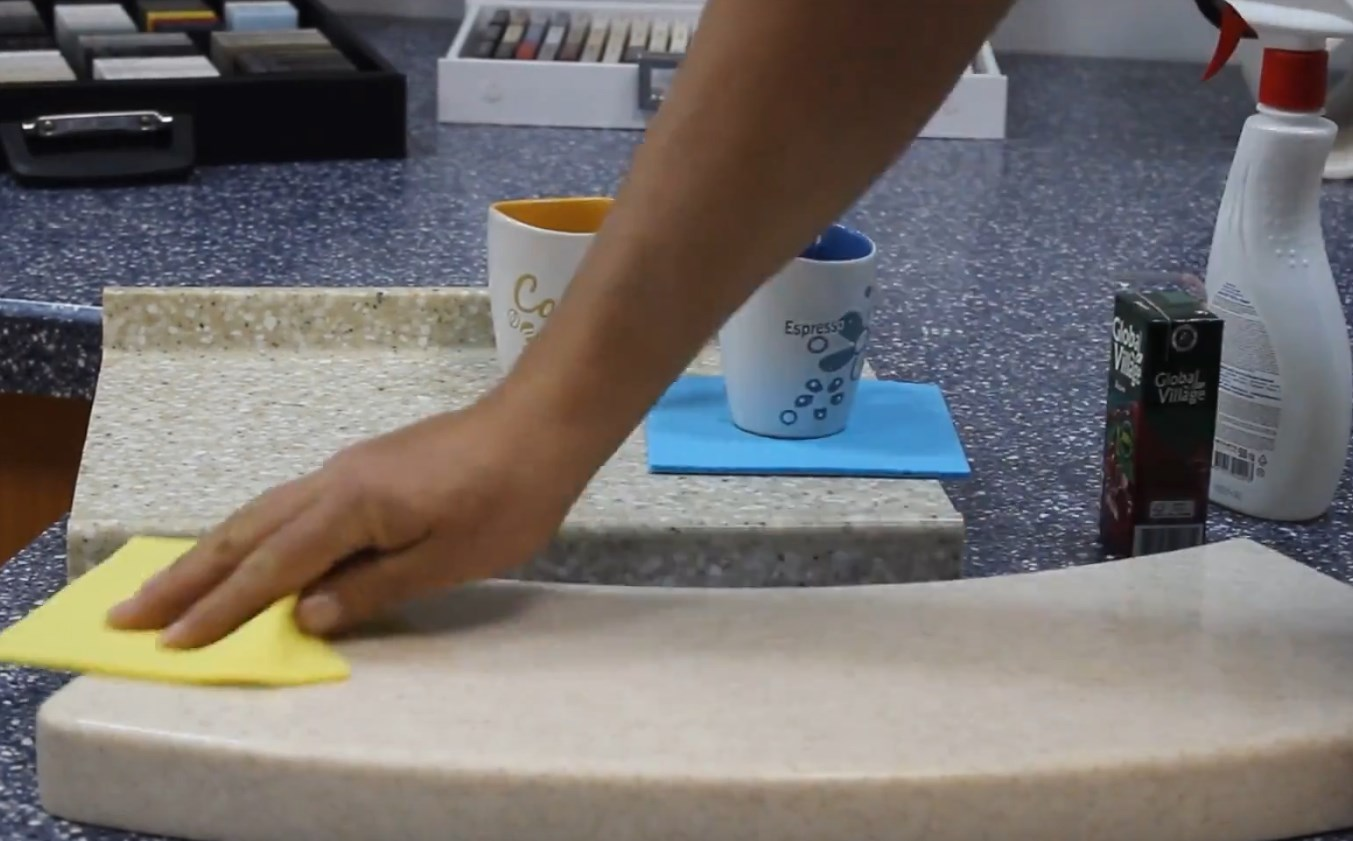Чем и как можно чистить раковину из искусственного камня на кухне: средства профессиональные и народные