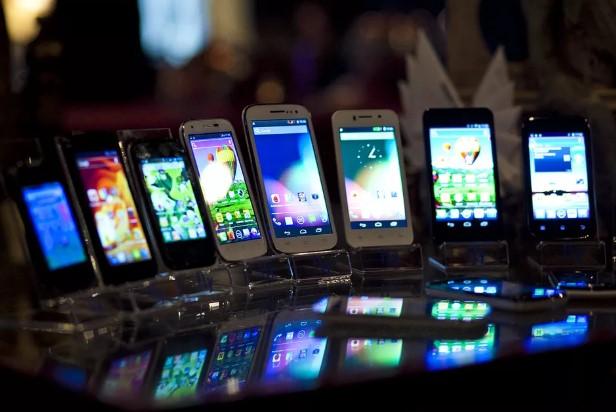 20 лучших телефонов и смартфонов для пожилых людей